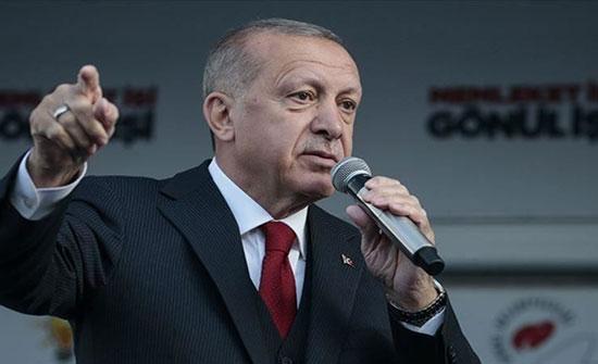 أردوغان يتحدث عن اللاجئين ويحذر من سيناريو حلب في إدلب