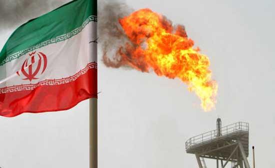 بيانات رسمية تؤكد استيراد الولايات المتحدة نفطا إيرانيا رغم العقوبات