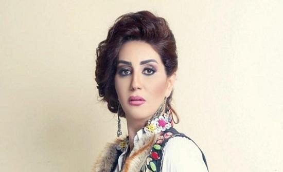 وفاء عامر تحتفل بتخرج نجلها عمر من المدرسة.. فيديو