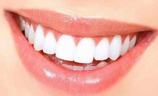 هل تعانون من صرير الأسنان أثناء النوم؟.. إليكم الحل