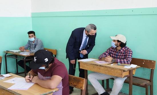 وزير التربية يتفقد قاعات امتحان الثانوية في إربد وبني عبيد