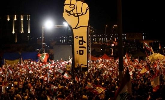 عشر سنوات على ربيع عربي لم يزهر إلا في تونس