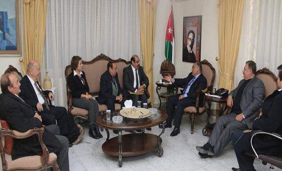 وزير الثقافة يلتقي رئيس وأعضاء اتحاد الكتاب والأدباء الأردنيين