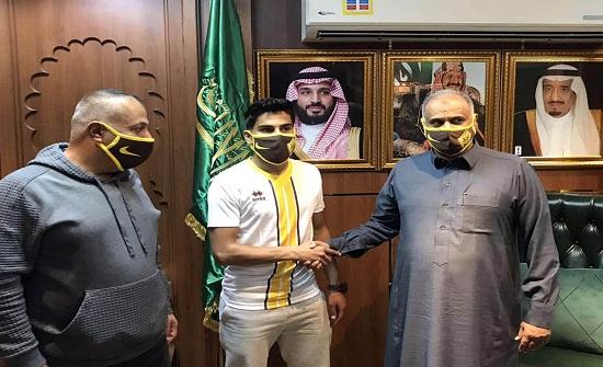 انضمام اللاعب الأردني غطاشة رسميا لفريق أُحد السعودي