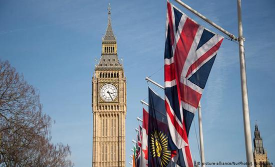 بريطانيا: عجز الميزانية يسجل ثالث أعلى زيادة له على الاطلاق