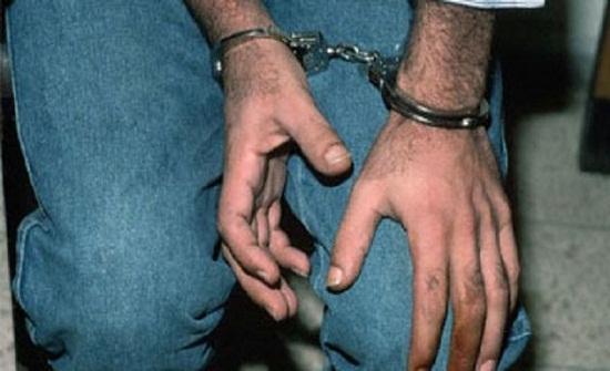 القبض على الشخص الذي يقوم بتمويه وتعديل المركبات