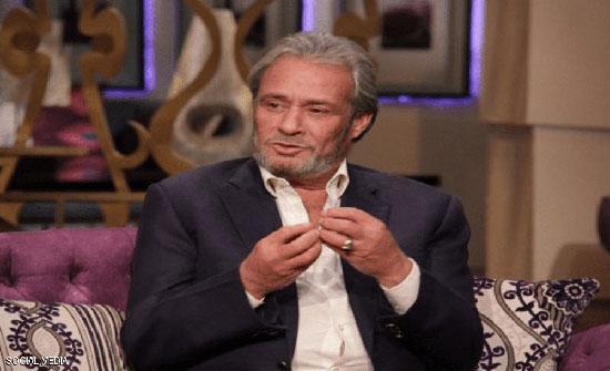 فاروق الفيشاوي خان زوجاته وندم بسبب ليلى علوي.. وخسر معركته مع السرطان