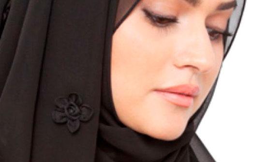 """""""الشيوخ الفرنسي"""" يقر مشروع قانون يحظر ارتداء الأمهات الحجاب"""