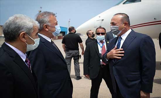 وزير الخارجية التركي يزور ليبيا لمناقشة العلاقات الثنائية