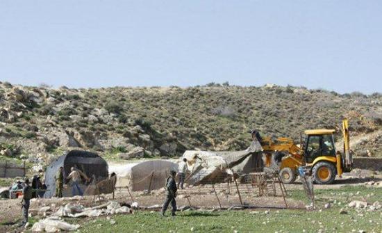 الاحتلال الاسرائيلي يهدم خيمة تضامن ضد الاستيطان شرق القدس ومنزلين بالخليل