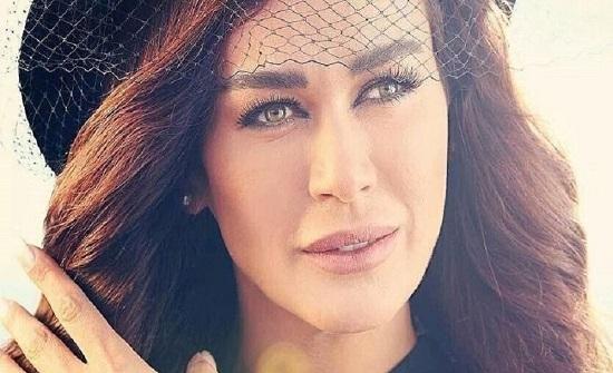 نادين الراسي تحتفل بعيد ميلادها ال 40 بين طليقها وحبيبها الجديد !!