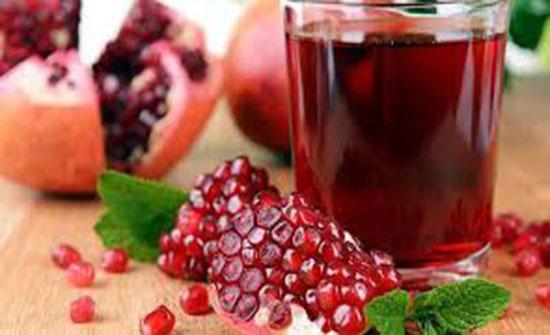 فوائد صحّية عديدة لعصير الرمّان... لن تصدقوا ما يفعله للقلب!