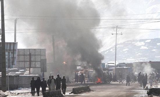مقتل 30 شخصا في انفجار قرب مدرسة في أفغانستان