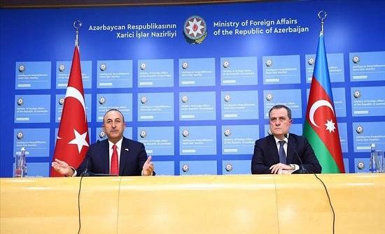 """وزيرا خارجية تركيا وأذربيجان يبحثان هجوم أرمينيا على """"كنجة"""""""