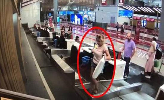 مسافرة تصدم موظفي مطار اسطنبول بتصرف غير متوقع!