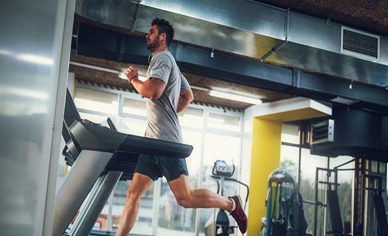 للمدخنين: الرياضة تقلل خطر الإصابة بسرطان الرئة