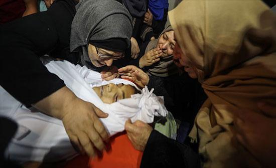 تشييع جثماني فتيين استشهدا برصاص إسرائيلي في غزة