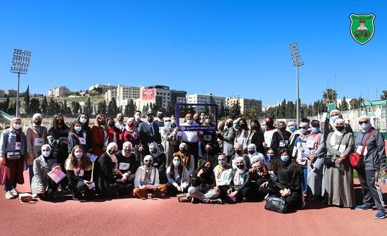 مسيرة رياضية في الجامعة الأردنية لدعم مرضى السرطان