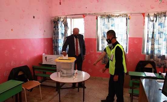 الوزير الخرابشة يدعو المواطنين للإقبال على صناديق الاقتراع