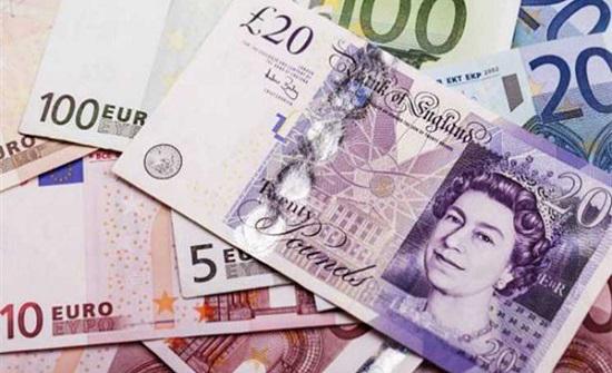 انخفاض الاسترليني أمام الدولار واستقرار اليورو