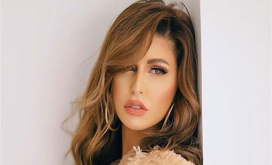 بمكياج جديد.. الأردنية مى سليم تخطف الأنظار بجمالها فى احدث ظهور