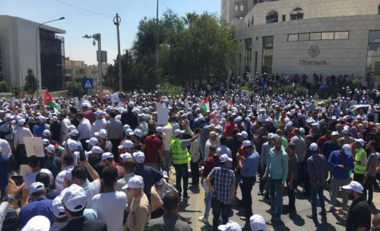 جرش : فعاليات تعبر عن استيائها من اضراب المعلمين