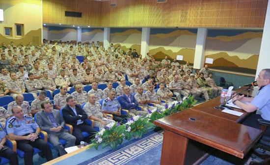 الحمود يحاضر في كلية القيادة والأركان الملكية الأردنية
