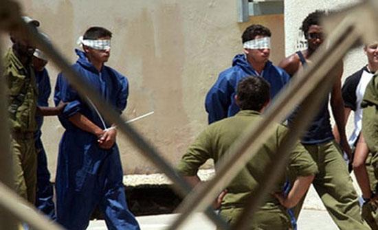تحذيرات من خطورة أوضاع الأسرى المضربين وتضامن معهم بغزة