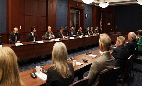 الملك وولي العهد يصلان مجلس الشيوخ الامريكي