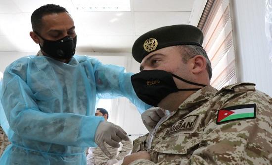 القوات المسلحة تبدأ حملة التطعيم لمرتباتها ضد فيروس كورونا