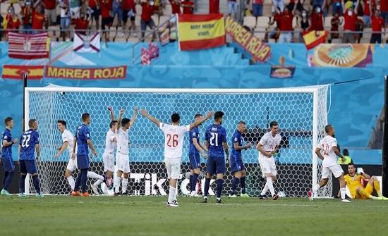 """إسبانيا تكتسح سلوفاكيا وتقضي على أحلامها في """"يورو 2020"""""""