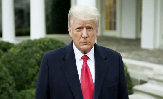 لجنة القوات المسلحة بمجلس النواب الأمريكي : يجب عزل ترامب على الفور!