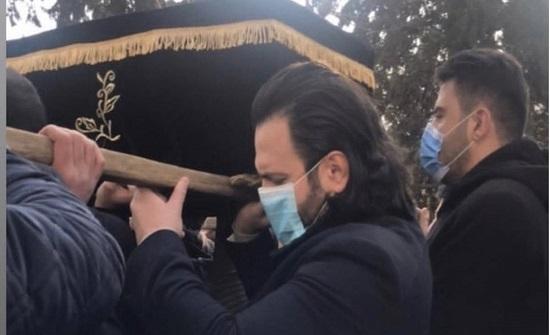 نجوم سوريا يشاركون في تشييع جثمان حاتم علي.. فيديو