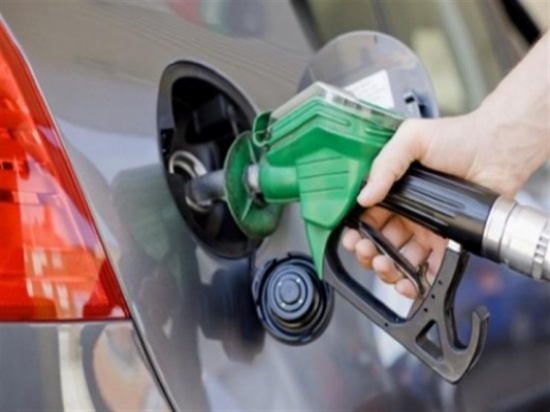 """أبرزها تخفيف الحمل الزائد.. 5 نصائح من """"فورد"""" تساعد على توفير الوقود"""