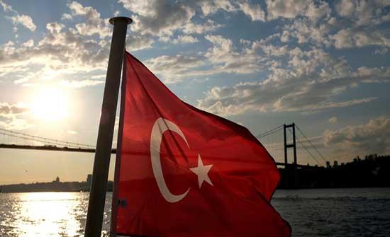 """بالصور.. البحرية التركية تنفذ تمرينا مشتركا مع """"الناتو"""""""