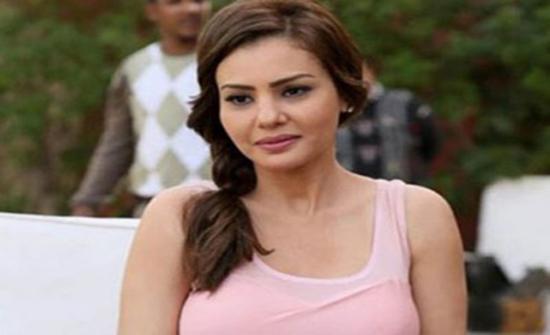 شاهد : دينا فؤاد ترقص على أغاني عمرو دياب في الجيم
