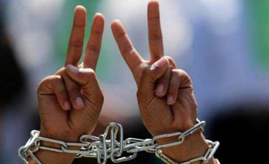 فروانة: 82 أسيرا فلسطينيا مضى على اعتقالهم أكثر من 20 سنة