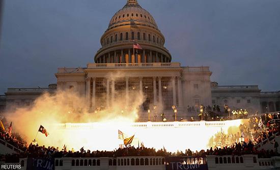 """لأول مرة.. لقطات تظهر """"العنف الشديد"""" في هجوم الكونغرس"""
