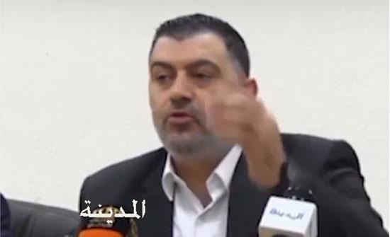وزير العمل يطمئن على صحة عاملات مصنع تعرضن للاختناق في الاغوار