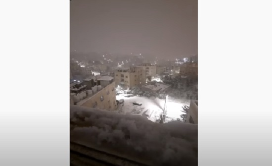 بالفيديو : عمان ترتدي الابيض ... ثلوج17-2-2021