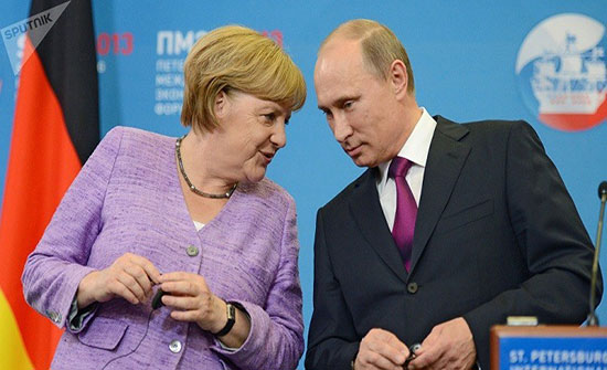 بوتين وميركل يناقشان هاتفيًا الأزمة السورية