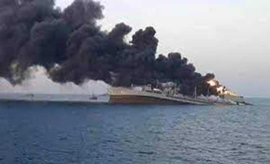 أنباء عن احتراق باخرة عراقية بمياه الخليج ومصرع جميع أفراد طاقمها