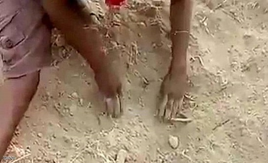 رضيع هندي دفن حيا.. ثم نجا بأعجوبة من الموت
