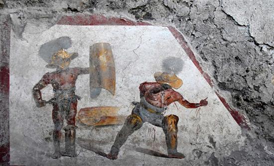 اكتشاف جدارية تلمع صورة موقع أثري سيء السمعة في إيطاليا
