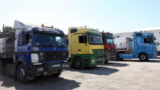 الداوود يطالب بتطبيق المعاملة بالمثل مع الشاحنات المصرية الداخلة للأردن