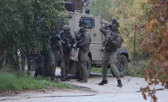 إصابات بمواجهات مع الاحتلال بنابلس واعتقال 14 فلسطينيا بالضفة والقدس