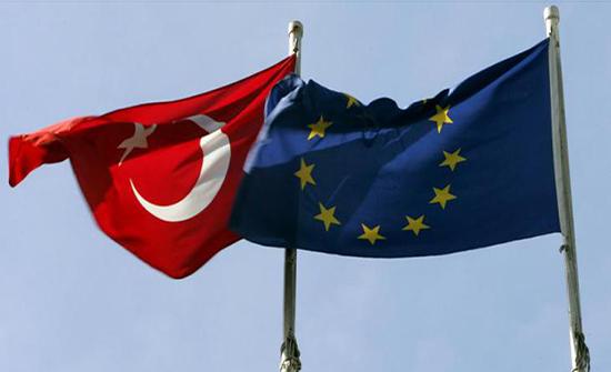 """الاتحاد الأوروبي يعتبر تصريحات إردوغان ضد نظيره الفرنسي """"غير مقبولة"""""""