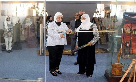 افتتاح معرض للفن التشكيلي في الكرك