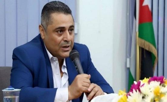 رئيس بلدية الزرقاء يحسم 200 دينار شهريا من مكافأته