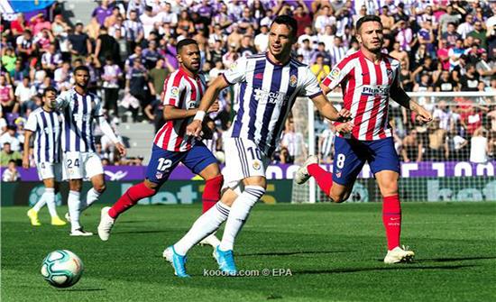 بلد الوليد يعطل أتلتيكو مدريد ويمنح هدية لبرشلونة